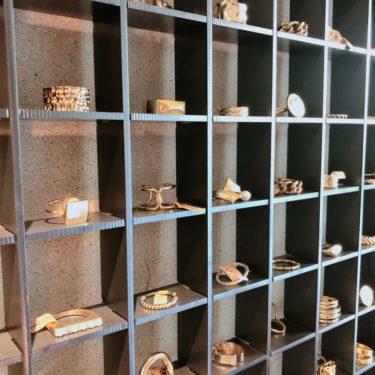 【弘大】壁一面の指輪:時空間 延南洞(ヨンナムドン)店
